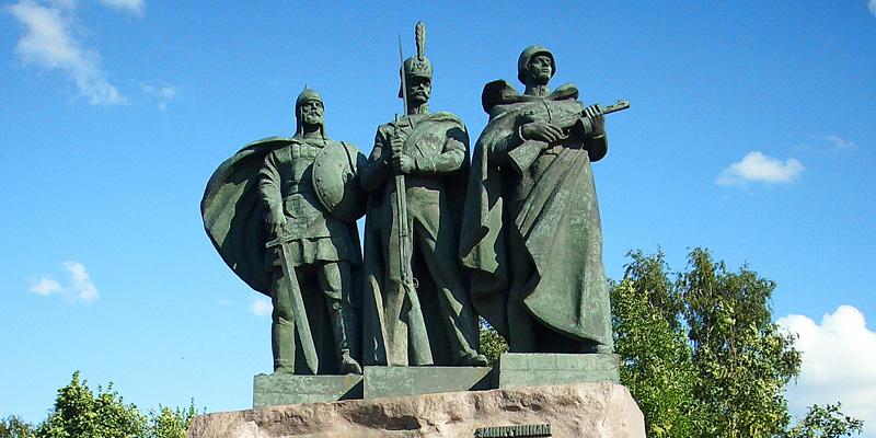 Исторический опыт свидетельствует о том, что всякий раз, когда Россия оказывалась на краю пропасти, что-то удерживало ее от падения, после чего начиналось возрождение.