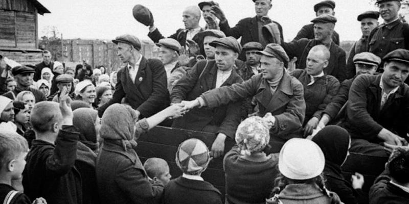 Беженцы и эвакуированные в годы войны